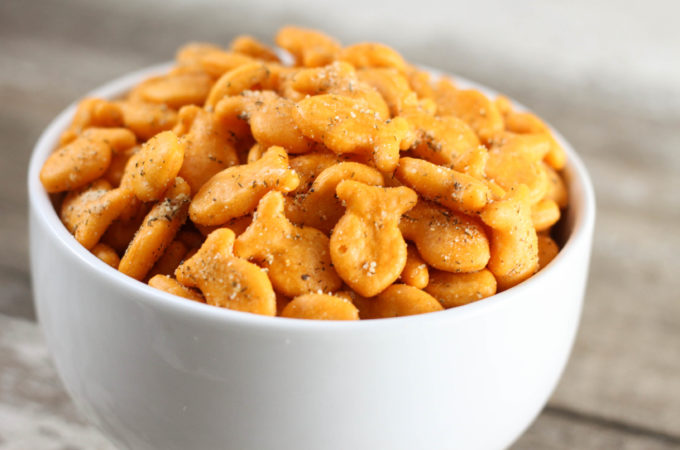 These Zesty Seasoned Goldfish Crackers are easy to fix and irresistible to eat!