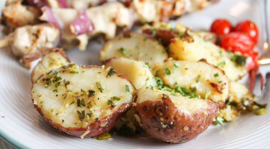 Are you looking for a great grilled side dish recipe? These Parsley and Parmesan Potatoes are easy to make and yummy to eat!